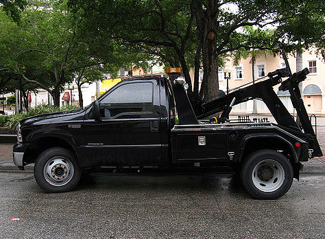 black tow truck